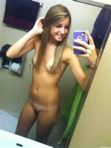 Freshly Naked 18 Year Old Selfpic  Naughty Self Pics