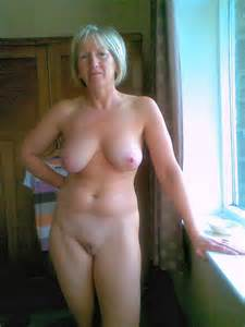 Nudist Women BONUS Photo of the Day 12/01/10