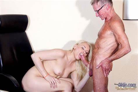 Smiling Stepson Fuck His Hottie Bitch