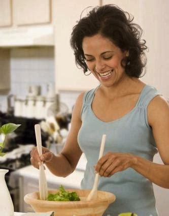 femme nue dans sa cuisine cuisine womensecret la femme dans toute sa splendeur