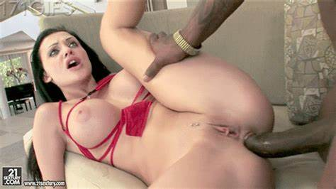 Russian Maid Aletta Ocean Plays Porn