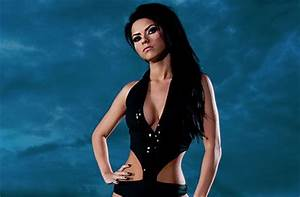 After Claiming Billboard Romanian Singer Inna Aims For Uk