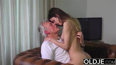 Long Haired Old Cunt Suck And Fucks