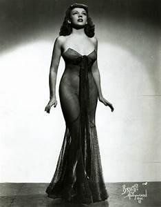Vintage Burlesque Pin Up - Hot Girls Wallpaper