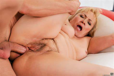 Passion Porn Dolly Experiences Multiple Gush free porn samples of 21 sextreme
