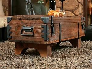 Truhe Aus Holz : alte truhe kiste tisch shabby chic holz beistelltisch ~ Watch28wear.com Haus und Dekorationen