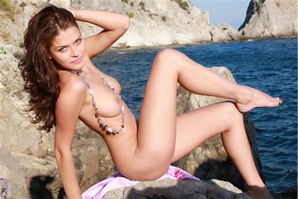 #Sexiest #Babe #Has #Really #Good #Body