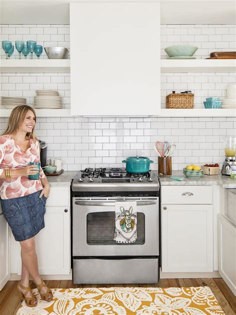 We've rounded up 15 galley kitchen ideas to inspire your next remodel, including lots of different galley kitchens can have a bad rap, depending on your style preference. Small Galley Kitchen Ideas: Pictures & Tips From HGTV   HGTV