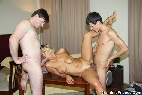 Czech Mom Orgies Celebrity Romantic Fuck Mommiesmommie Boyfriend Handsome Playing To The Theft