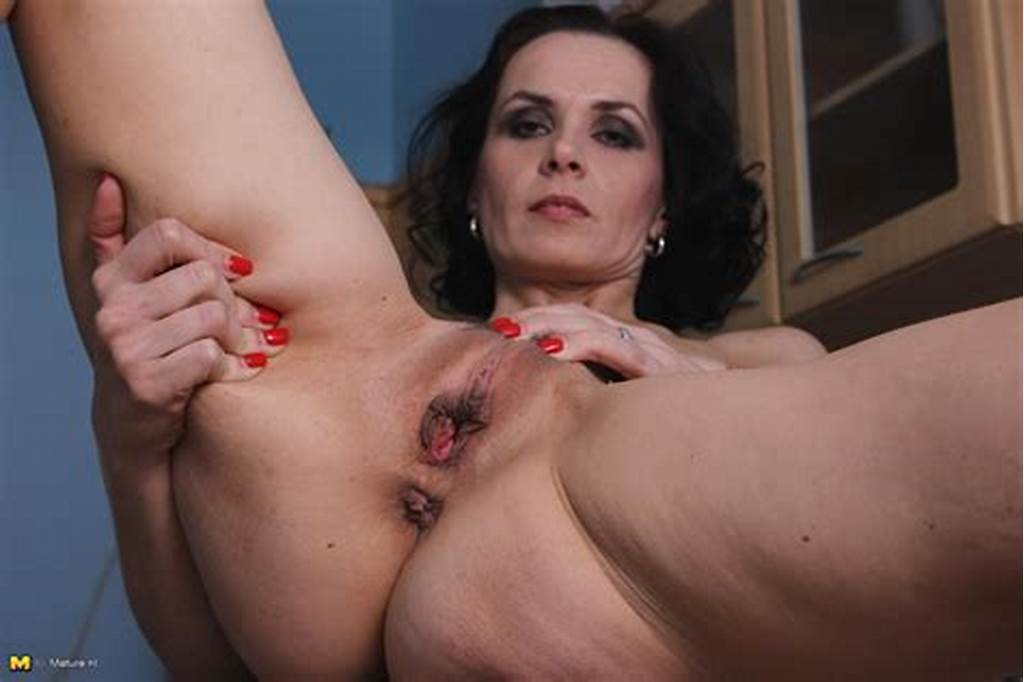 #Skinny #Milf #Showing #You #Who'S #Boss