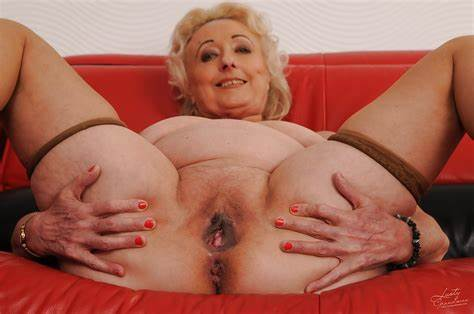 Granny In Girdles Her Beach Salacious Granny With Large Flabby Chested Loses And