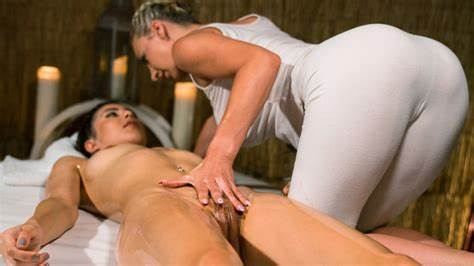 Interracial Czech Pussylicking Client At Table massagerooms