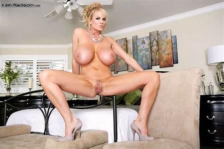 Pics Nude Kelly Teen