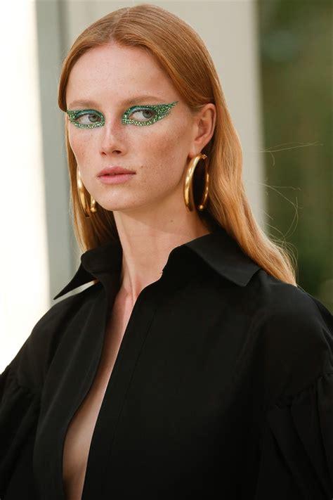 Il dilettevole è che, al di là. L'ombretto verde è il nuovo trend occhi - Glamour.it