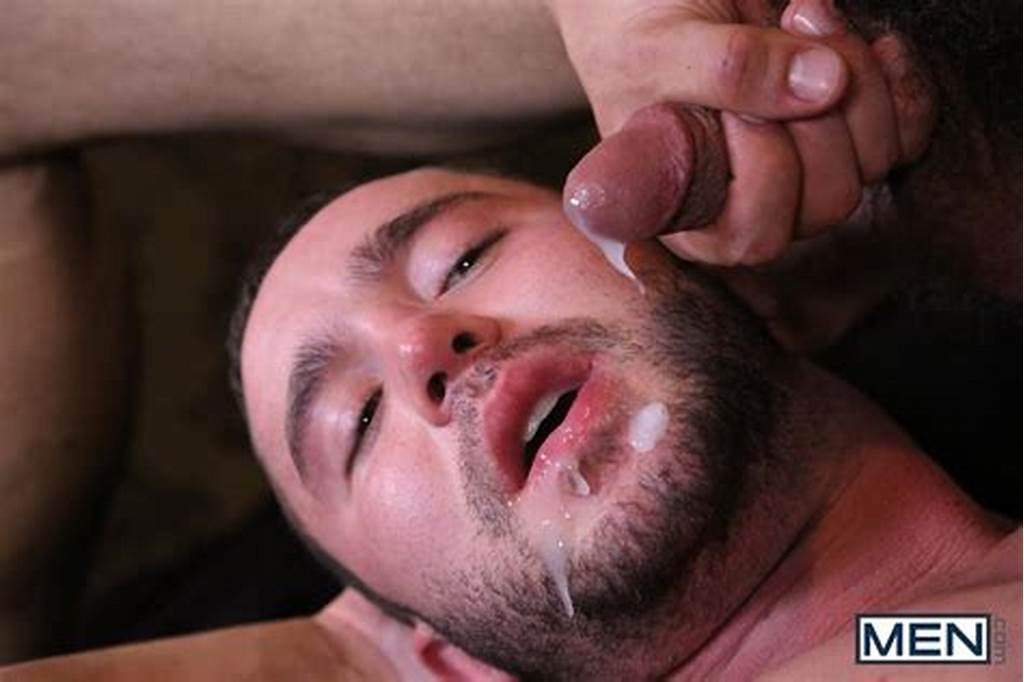 #Muscle #Hunks #Fucking #Ends #In #A #Face #Full #Of #Cum #Bubble
