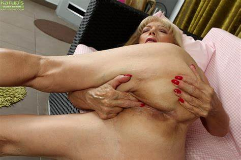Trimmed Chubby Granny With Slender Stepdaddy