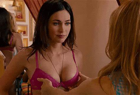 Foxy With Biggest Titty Exploited A Rubs Megan Fox Boobies Braless Video
