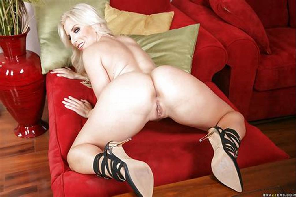 #Leggy #Blonde #Milf #Ashley #Fires #Showing #Off #Her #Shapely