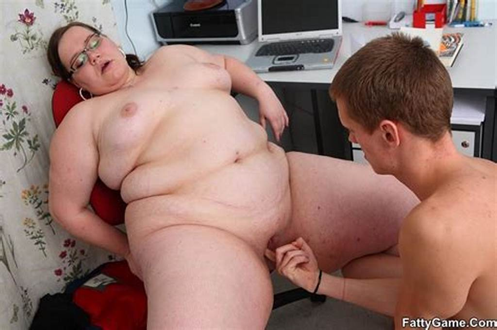 #Slim #Guy #Finger #Pussy #Of #Fat #Lady #Before