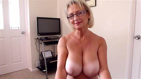 Mature Paige Ashley In A Friendly Massage
