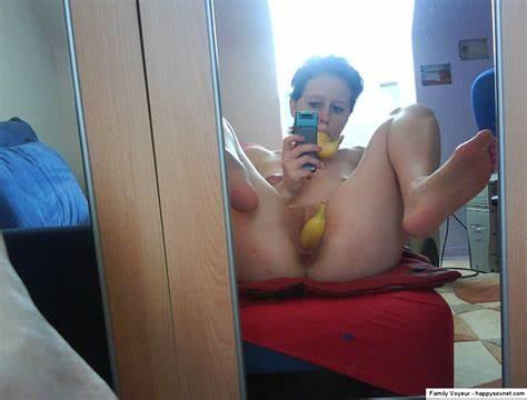 Selfie scheide nackt Wild Teen