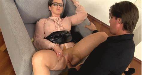 Chick Who Fucks In Satin Clothes