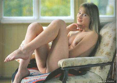 Scan Nude Teen Model Black Cat