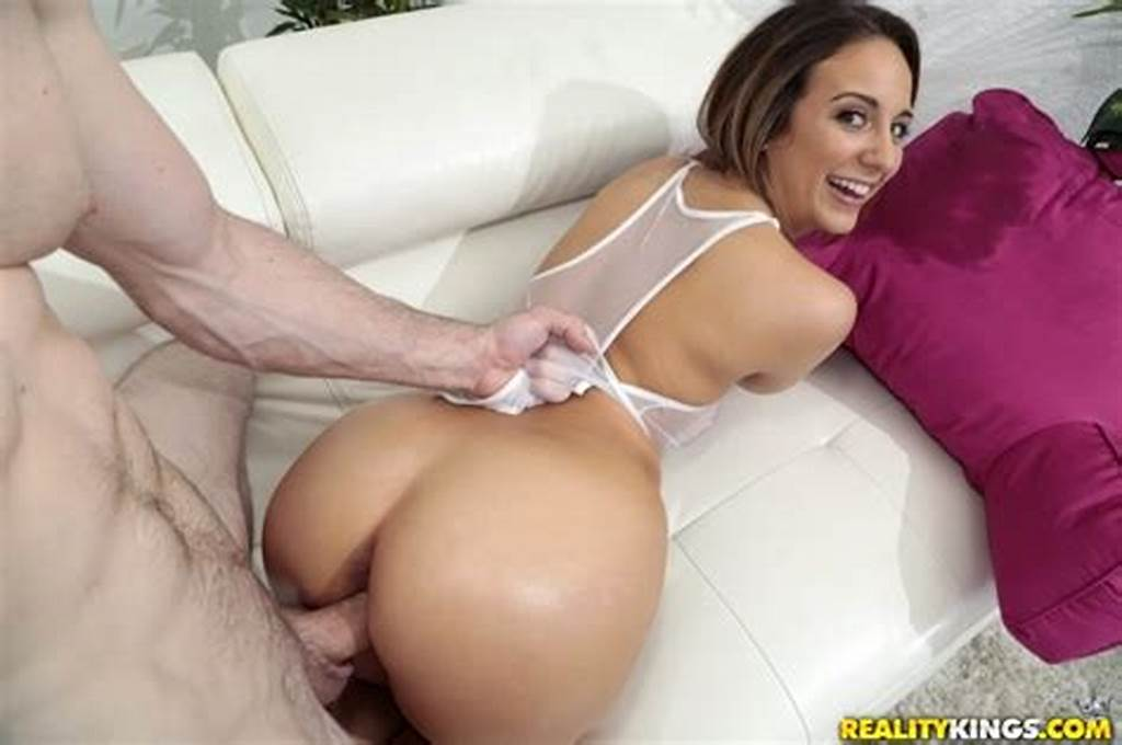 #Busty #And #Beautiful #Layla #London #Gets #Snatch #Snaked #Fast