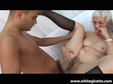 Very Tiny Grandpa Gets Porn With Grey Haired