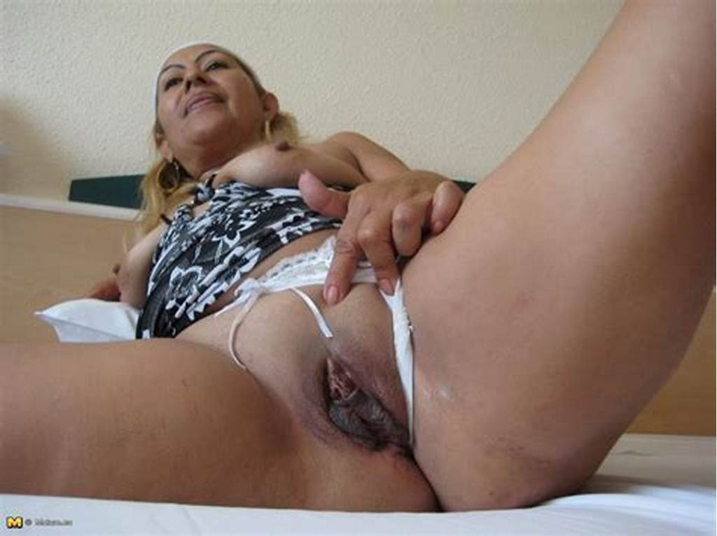 #Spanish #Mature #Mom #Showing #Her #Pussy #@ #Golden
