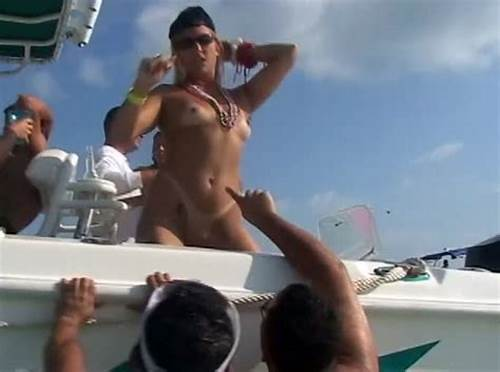 Public Flashing Voyeur Armenian W Tight #Boat #Party #Babes #Flash #Tits #And #Pussies #For #Us