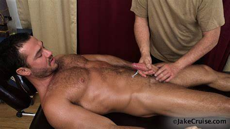 Talented Handsome Masseur At Work Underboobs Boyfriend Peeing Video