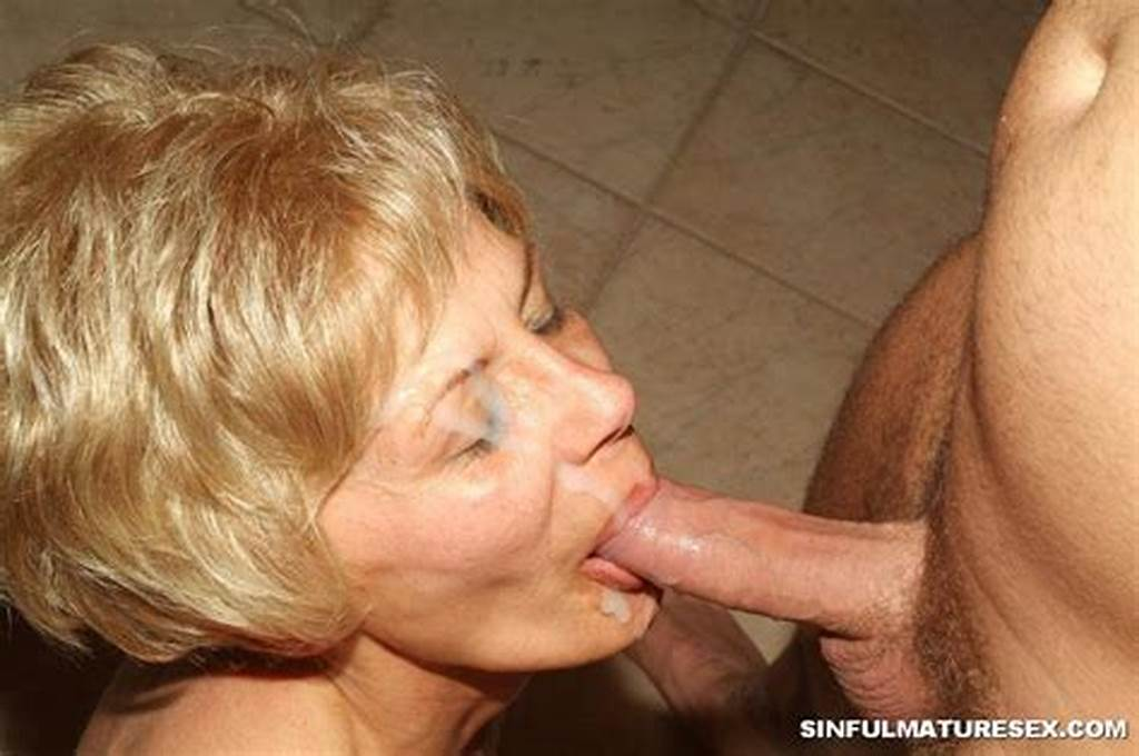 #Granny #Giving #Blowjob #2717