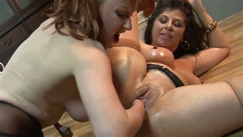 Large Breasts Strapon Stepmother Masturbation Huge Titties Playing