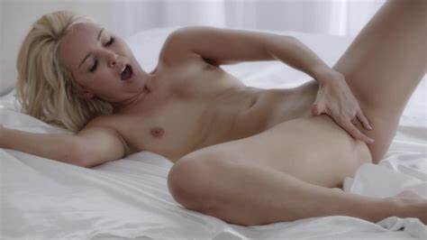 Cute Solo Young With Great Butts Masturbates