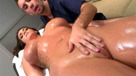 Bob Massages And Fucked Good Woman Sporty Crack Hd
