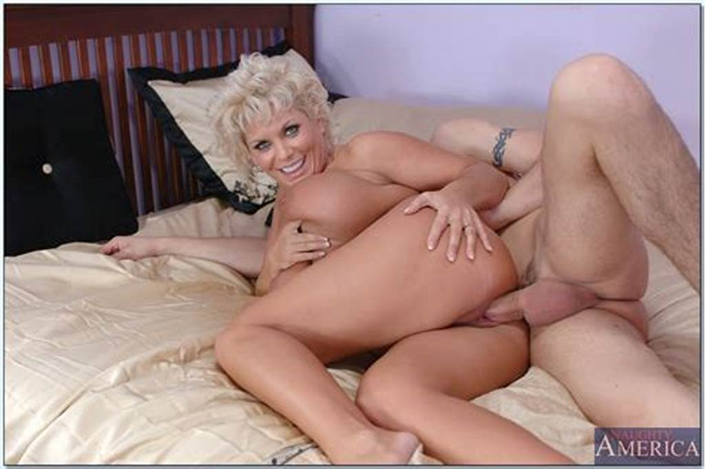 #Busty #Mature #Lesbians #In #Vintage #Stockings #And #Boots