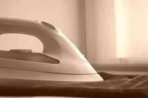 Nettoyer Fer A Repasser : comment nettoyer et d tartrer un fer repasser aza ~ Dailycaller-alerts.com Idées de Décoration