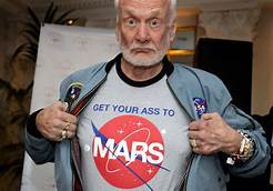 Buzz Aldrin calls for human 'migration' to Mars: 'We explore, or we expire'…