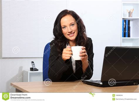 femme au bureau image pause cafe bureau 28 images green cafe services