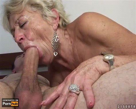 Cunt Spycam Jizz Closeup Anal Banged And Deepthroats Facialed