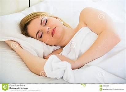 Sleeping Nude Preteen Bed Pillow Menina Dorme