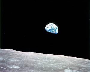 Earthrise   NASA