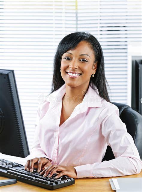 salope au bureau femme au bureau salope