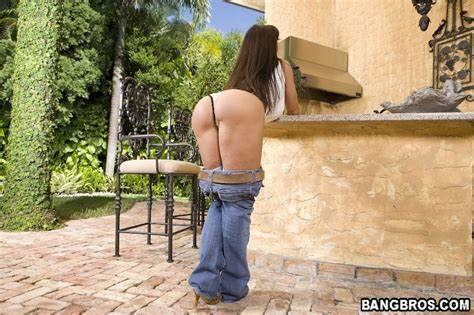 Lisa Ann In Native Jeans