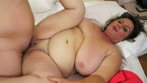 Bbw In Nude Enjoys His Small Cock
