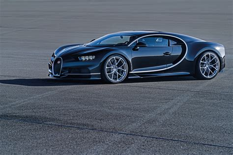 The chiron is an unique masterpiece every element of the chiron is a combination of reminiscence to its history and the most innovative technology. Bugatti Chiron debuts - 1,500 hp, 1,600 Nm, 420 km/h Image 451010