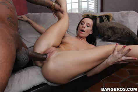 Laura Dark Blowjob Small Brunette Dick