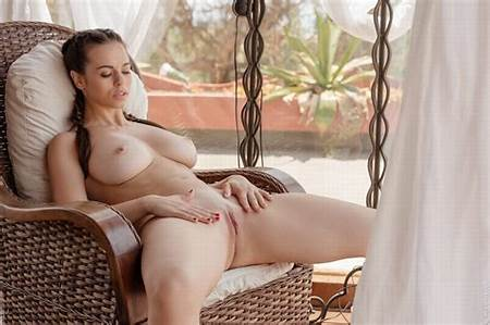Candy Teen Nudes