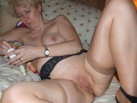 Milfs Amature Bitch Collection Homemade